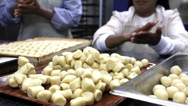 Las monjas del convento de las Comendadoras del Ápostol Santiago realizan dulces y mazapán desde el año 2014 para sobrevivir