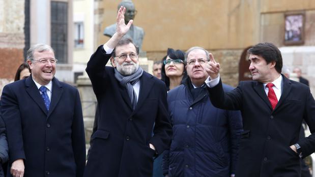 Antonio Silván, Mariano Rajoy, Juan Vicente Herrera y Juan Carlos Suárez-Quiñones, durante la visita del presidente del Gobierno a León