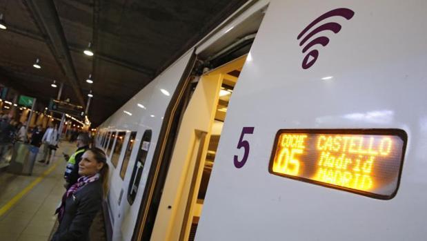 Tren AVE de la línea Madrid-Castellón, en la jornada inaugural