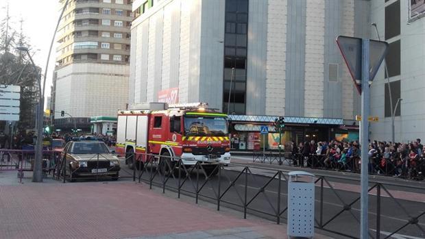 Los bomberos han intervenido de manera «inmediata», evitando la propagación a otras plantas