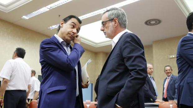 Martinez-Maillo (PP) Y Villegas (Cs) durante una reunión de la Diputación Permanente el pasado verano