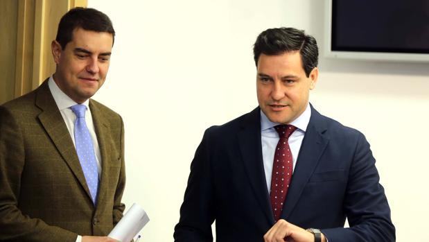 Ibáñez y De La Hoz, ayer en rueda de prensa en las Cortes de Castilla y León