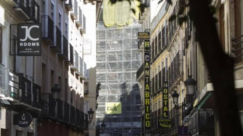 Ahora madrid reconoce que se inspira en la moratoria de for Hoteles en barcelona centro para familias