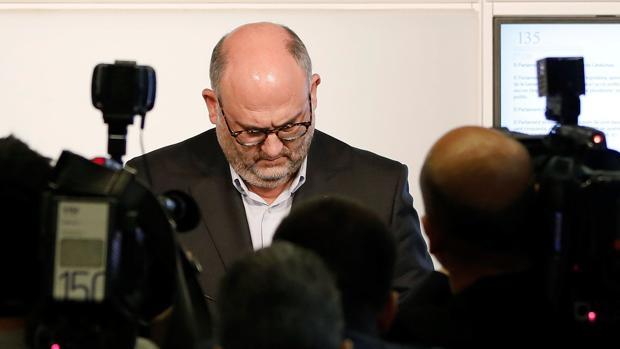 Eduard Pujol ha valorado la decisión del Gobierno en el Parlamento de Cataluña