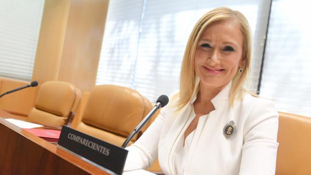 Cristina Cifuentes, en su primera comparecencia ante la comisión de corrupción de la Asamblea