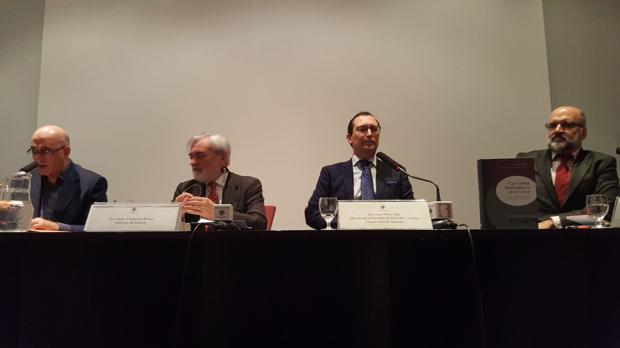 Presentación del libro, con los autores y el director de la Real Academia de la Lengua (RAE) en Madrid