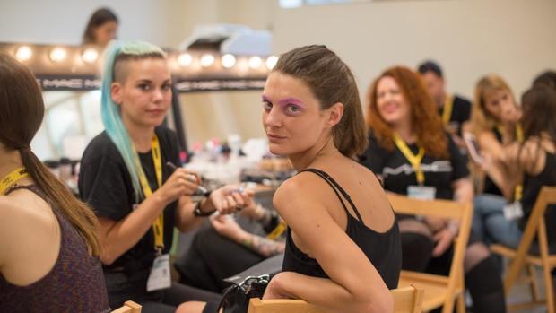Modelos en el backstage de la 080 Fashion Barcelona