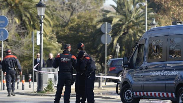 Despliegue policial en el parque de la Ciutadella