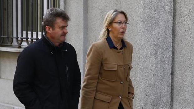 La exconsejera de la Generalitat de Cataluña Neus Munté, a su llegada a la sede del Tribunal Supremo