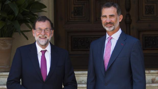 Mariano Rajoy, con el Rey en el Palacio de Marivent