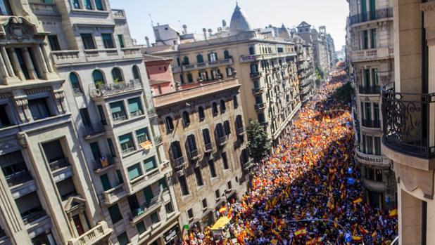 Vista general de una manifestación convocada por Societat Civil Catalana