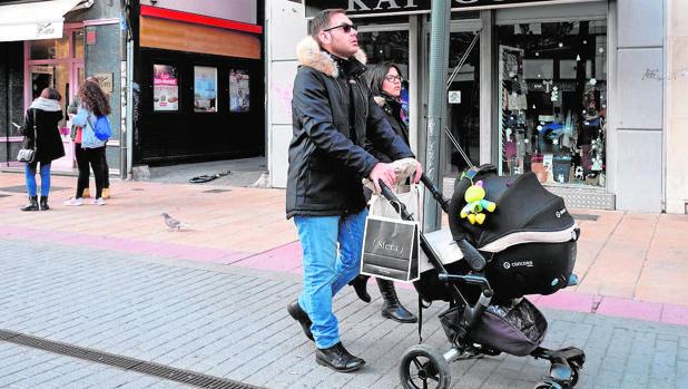 En 2017, se concedieron 11.557 permisos de paternidad