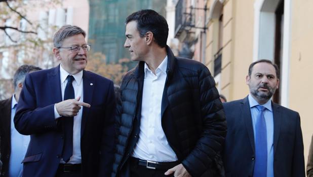 Ximo Puig, Pedro Sánchez y José Luis Ábalos en Valencia