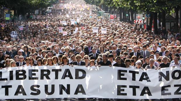Manifestacion contra ETA, el 19 de junio del 2009, por el asesinato de un inspector de Policía