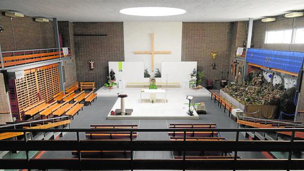 Interior de la parroquia de Nuestra Señora de Aluche
