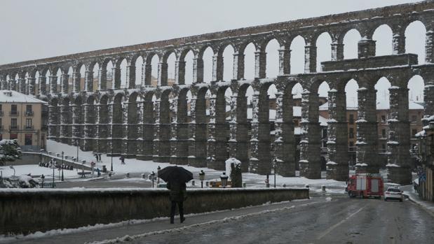 La capital segoviana, llena de nieve