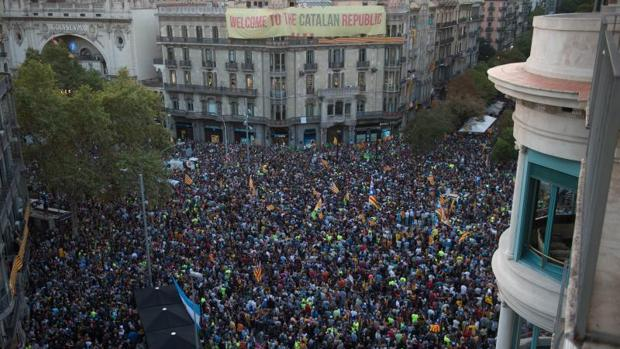 Una imagen de la concentración frente a la consejería de Economía
