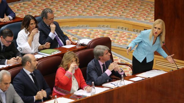 La presidenta Cifuentes, en el pleno de la Asamblea