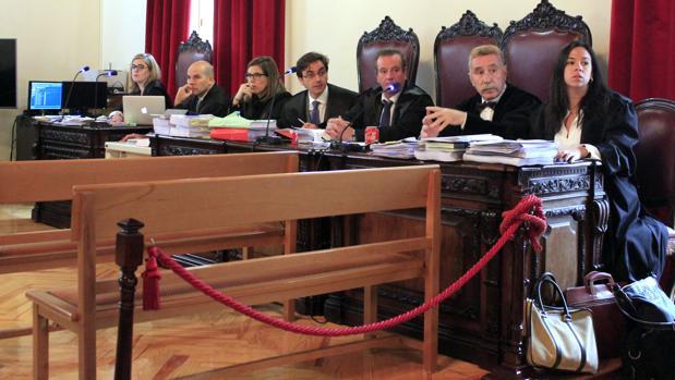 Fiscal, acusaciones particulares y defensas, el pasado lunes. Marcos García Montes no ha estado en la sesión de este jueves