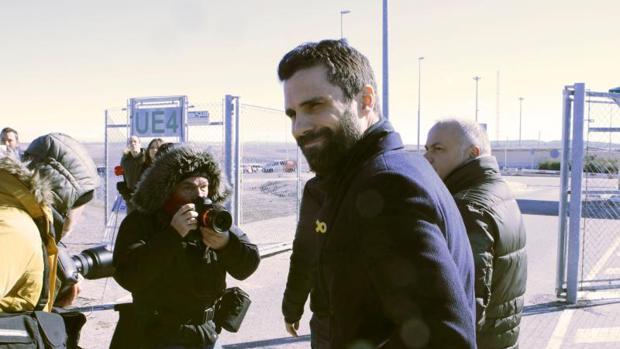 El presidente del Parlament, Roger Torrent, a su salida de la prisión de Estremera tras reunirse con Junqueras