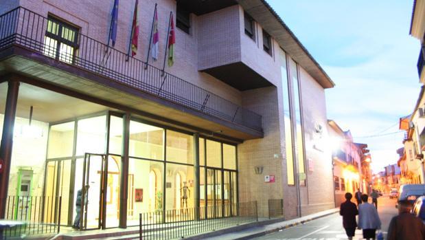 Fachada principal del Ayuntamiento de Herencia (Ciudad Real)