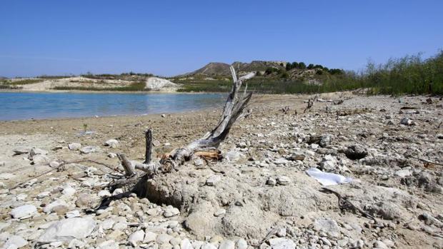 Imagen de un pantano de la provincia de Alicante