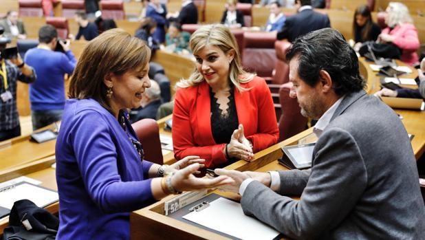 Isabel Bonig, Eva Ortiz y José Císcar, en las Cortes Valencianas en una imagen de archivo