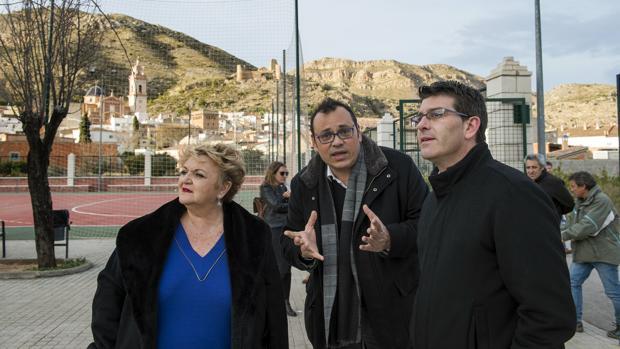 Jorge Rodríguez, a la derecha, durante su visita a Gestalgar
