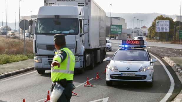 Imagen de archivo de un control de tráfico en la provincia de Valencia