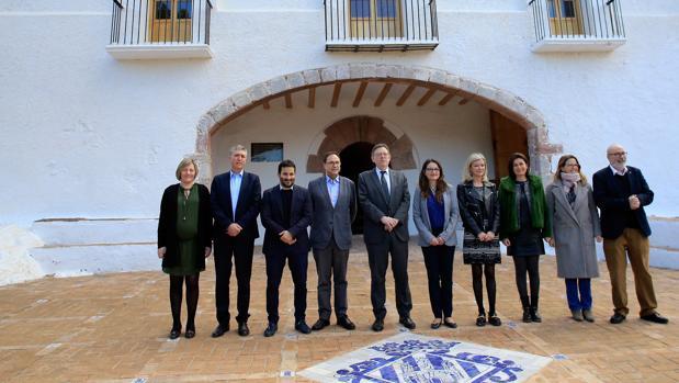 Imagen de los miembros del Gobierno valenciano tomada este viernes en Castellón