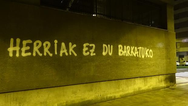 Pintadas proetarras en Pamplona