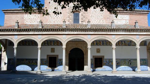 Pórtico de la basílica de Talavera