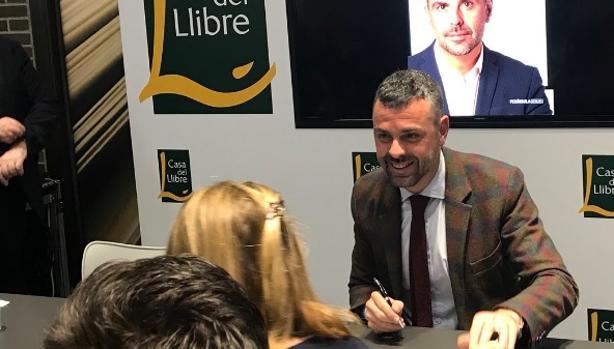 El exconsejero durante la presentación de su libro en Barcelona