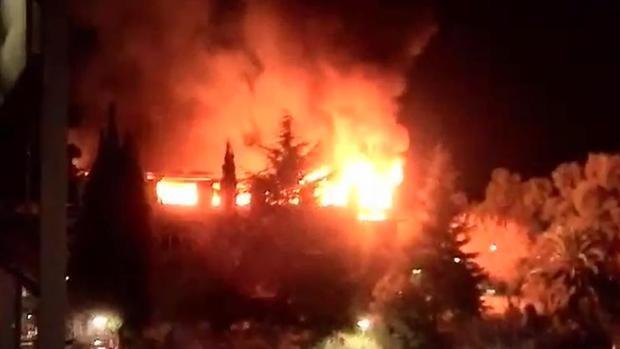 Imagen del incendio de la sede de los Bomberos