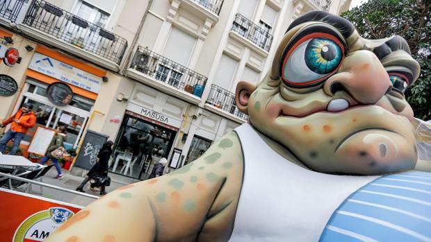 Imagen de uno de los primeros ninots que han tomado las calles de Valencia