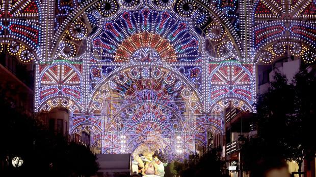 Encendido de luces en el barrio de Ruzafa