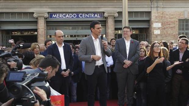 Echávarri, Sánchez y Puig, en un acto público en Alicante