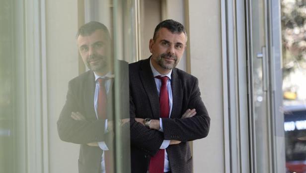 Santi Vila posa para ABC la pasada semana en Barcelona