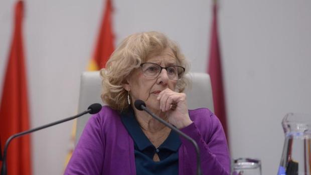 La alcaldesa de Madrid, Manuela Carmena, en un momento del Pleno de Cibeles