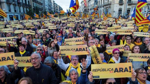 Manifestación convocada este domingo por la ANC en Cataluña
