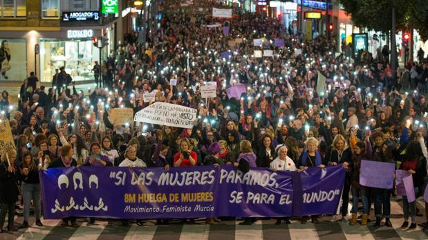 Manisfestación del 8M, por las calles de Murcia