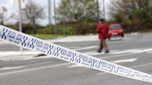 Precinto policial en Chantada (Lugo) tras muerte violenta de una joven en Castro de Rei