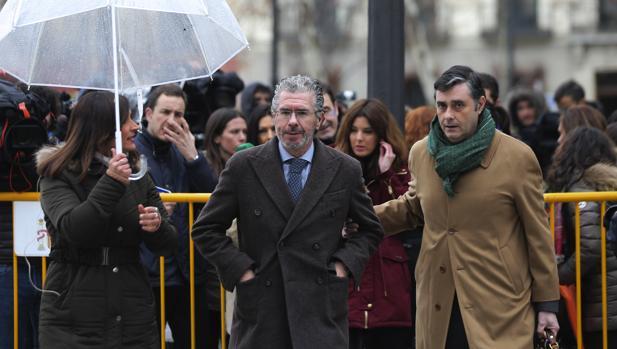 Francisco Granados, en su última declaración en la Audiencia Nacional, acompañado de su abogado