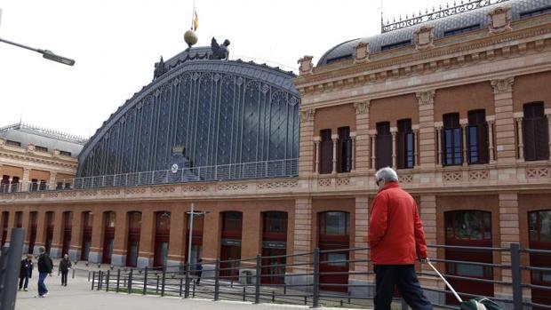 Una de las entradas a la estación de Atocha, en la glorieta de Carlos V