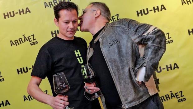 Toni Arráez y Chimo Bayo, en la presentación del «tecno-vino»