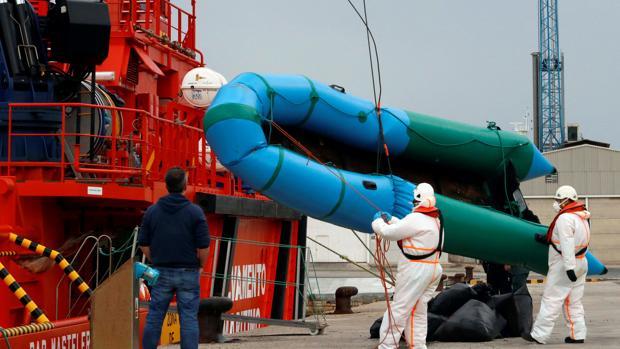 Una de las pateras rescatadas el pasado 10 de marzo en aguas del Mediterráneo