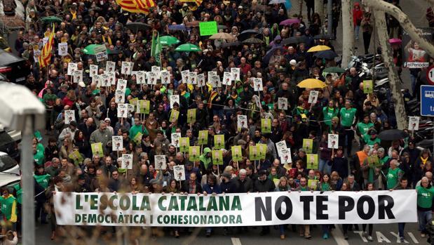 Cabecera de la manifestación en defensa de la inmersión lingüística