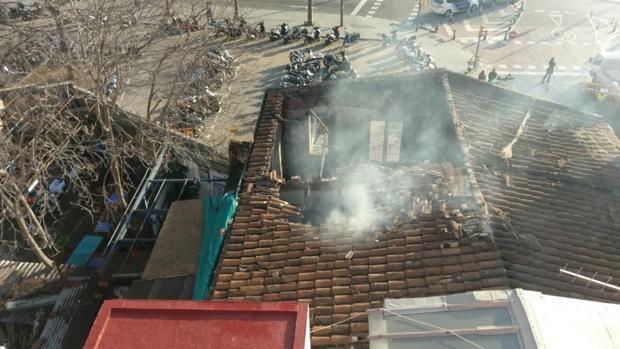 Imagen del local calcinado en el barrio de Sarrià