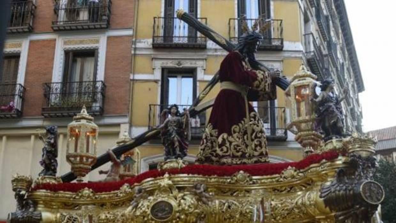 La salida m s accidentada de la procesi n del gran poder y la macarena - Autobus madrid puerto de santa maria ...