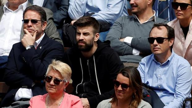 Piqué, este viernes en la grada durante un partido de la Copa Davis en Valencia